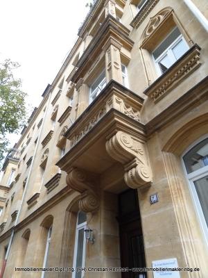 exclusive 6 Zimmer Maisonette Wohnung mit Terrasse und zwei Balkonen