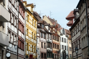 Herrliche Altbauwohnung mit Balkon in der historischen Weißgerbergasse